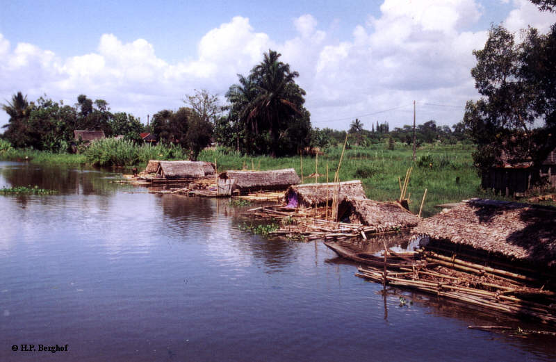 Hausboote in Mananjary